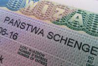 Польша за год выдала украинцам почти 850 тыс. виз