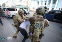 """""""Дайте мені кави і кличте """"Святим духом"""": про що """"київський терорист"""" розмовляв з журналістами"""