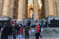 В Грузии проходят протесты против карантина, требуют открыть экономику
